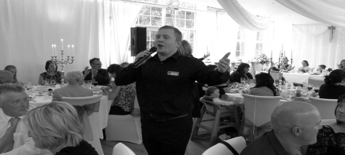 Viva singing waiters surprise waiters